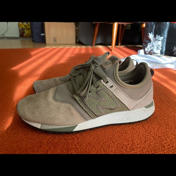 New Balance Shoes | 247 Luxe Size 9